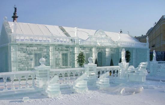 ледяной дом, специально построенный